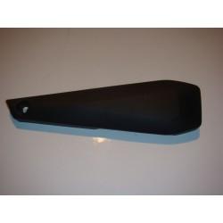 Cache plastique sous selle droit pour FZ8 2012