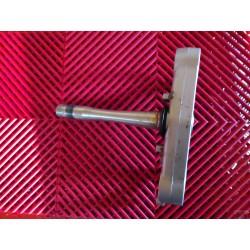Té inférieur de fourche de R1 Crossplane 09-14