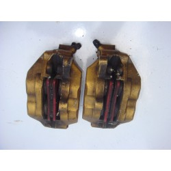 Etriers de frein avant laquettes BREMBO pour 954 CBR 02-03