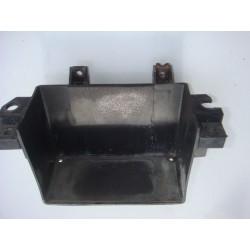 Bac à batterie, fixation abimée de FZ6 04-06