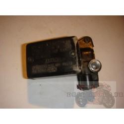 Maitre cylindre de frein avant (traces) pour ER6 06-08