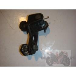 Support cale pied avant gauche pour BT1100 Bulldog 05-06