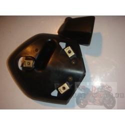 Cache moteur gauche pour BT1100 Bulldog 05-06